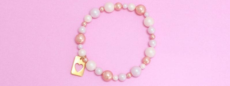 Armband mit Crystal Pearls und Herzanhänger