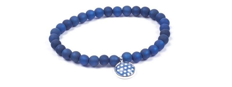Armband kleine Glascbochons dunkelblaue Punkte