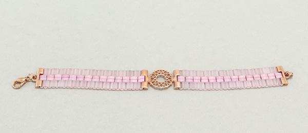 Gefädeltes Armband mit Tila-Perlen Light Pink