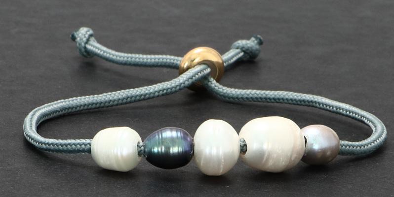 Armband mit Segelseil und Zuchtperlen grau