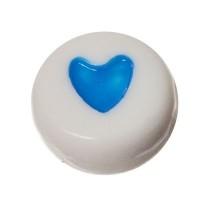 Kunststoffperle, runde Scheibe, 7 x 3,7 mm, weiß mit blauem Herz
