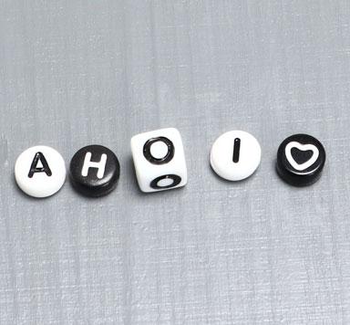 Buchstabenperlen Kunststoff