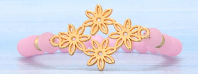 Frühlingsarmband mit Blumen und Polarisperlen