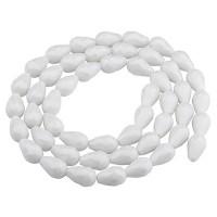 Glasfacettperlen Tropfen, 15 x 10 mm, weiß opak, Strang mit ca. 50 Perlen