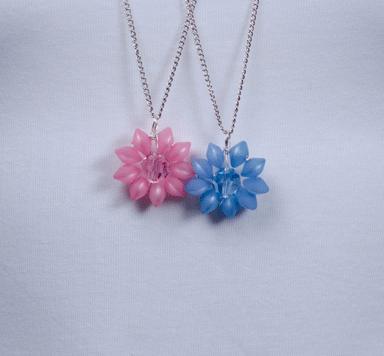 Ketten mit Polaris-Blumenanhänger
