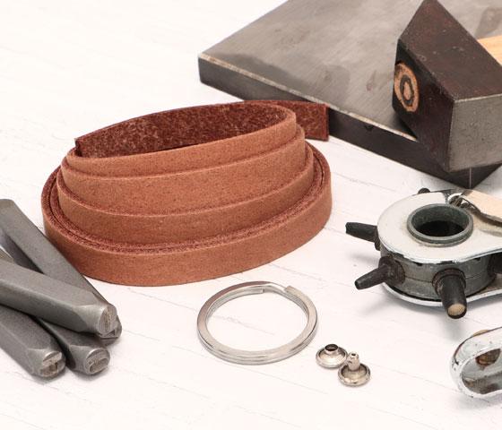 DIY Anleitung Schlüsselanhänger aus Leder selber machen
