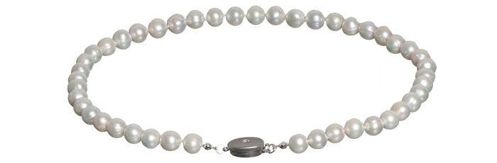 Geknotete Perlenkette