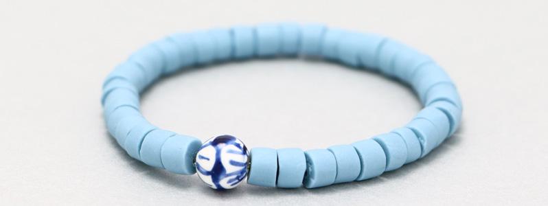 Armband mit Porzellanperlen Himmelblau