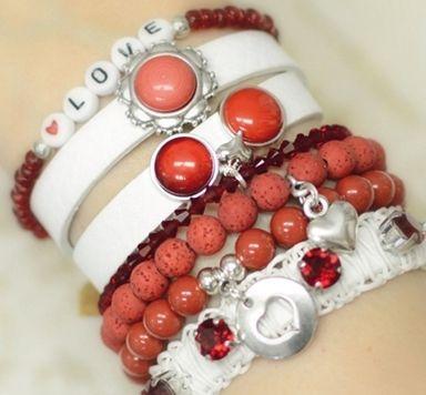 Armbänder zum Farbtrend Flame Scarlet