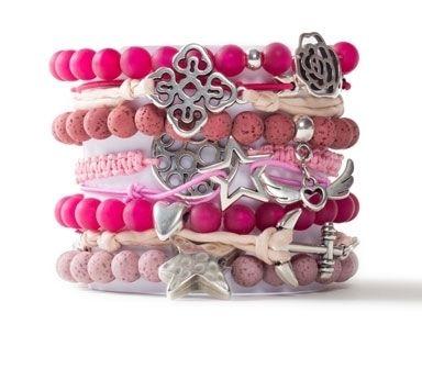 Schmuckideen für Armbänder mit Metallanhängern und Perlen