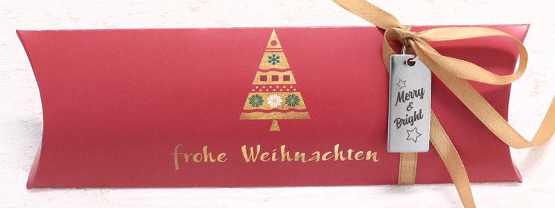 """Weihnachtsverpackung mit Geschenkanhänger """"Merry & Bright"""""""