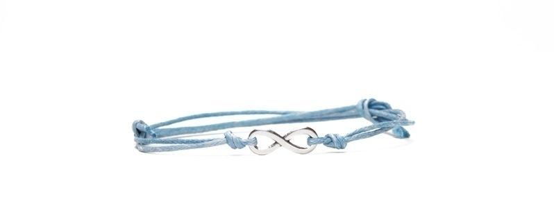 Glücks-Armband mit Infinity-Zeichen Hellblau