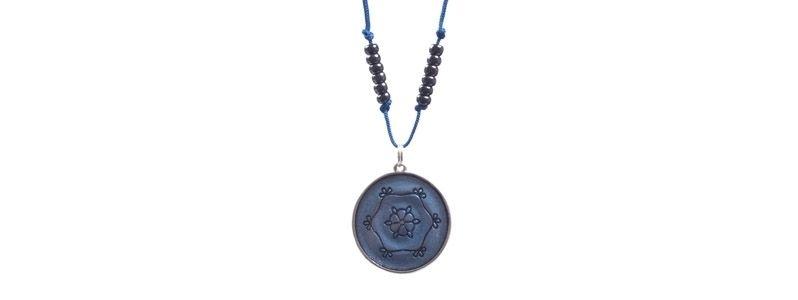 Kette mit Ethno-Anhänger Mandala Blau