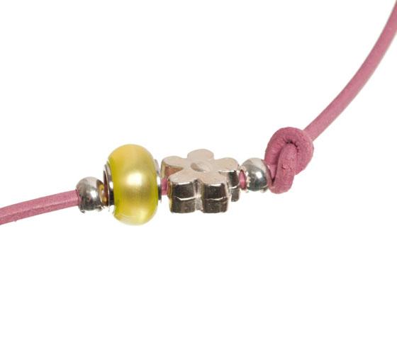 Wickelarmband mit rundem Lederband selber machen Schritt 8