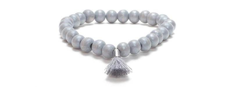 Armband Neutral Gray mit Holzperlen und Troddel