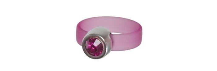 Ring mit PVC-Band und Swarovski Chaton Fuchsia