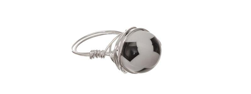 Ring mit Fußballperle