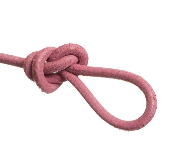 Wickelarmband mit rundem Lederband selber machen Schritt 6