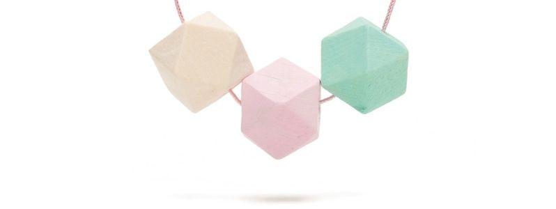 Geometrische Holzperlen-Kette Hexagon Pastell