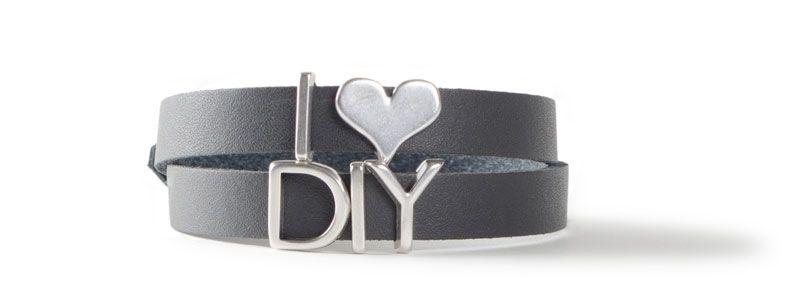 Armband mit Buchstabenperlen I LOVE DIY
