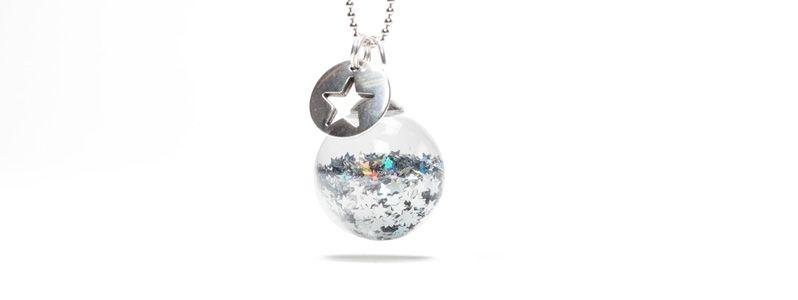 Kette mit Glaskugel Silberne Sterne