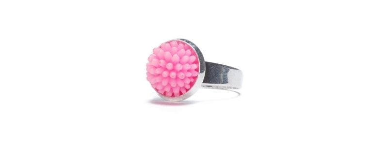 Ring mit Cabochons Pink
