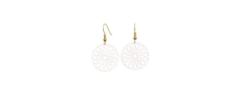 Ohrringe mit filgranem Boho Anhängern Blume Rosa