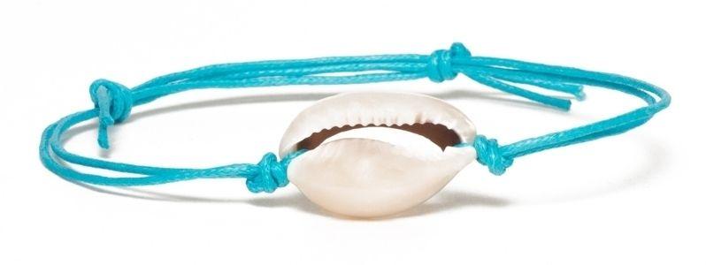 Armband mit Muscheln türkisblau