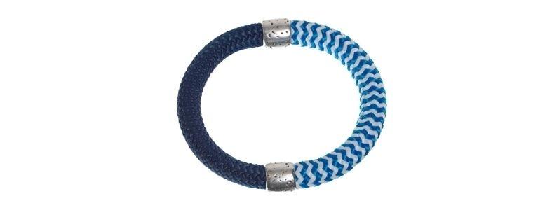 Armreif mit gestreiftem Segelseil blau