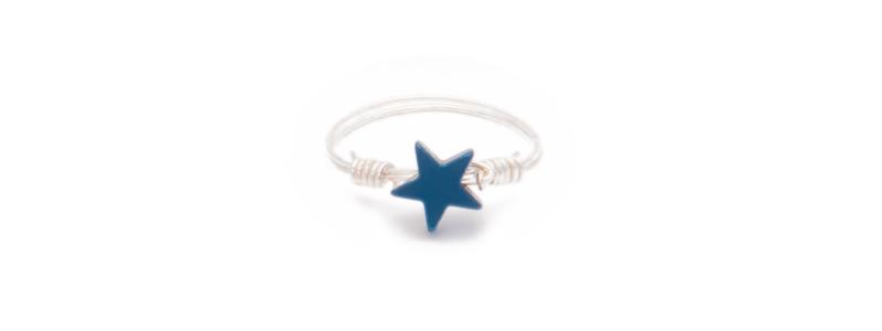 Ring mit Hämatitperle Stern blau