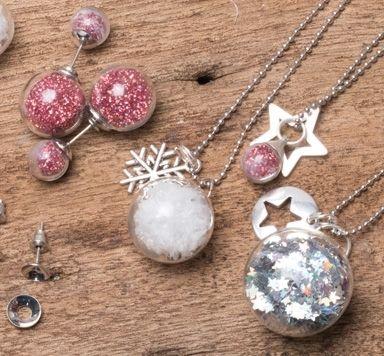 Ideen für weihnachtlichen Schmuck mit Glaskugeln