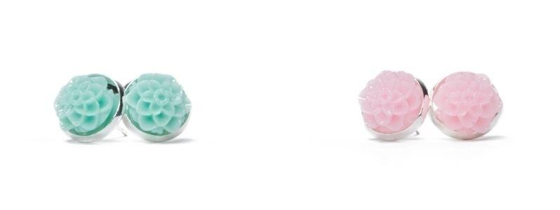 Ohrstecker mit  Blumencabochons Silberfarben