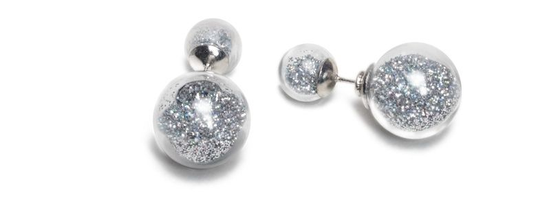 Ohrringe mit Glaskugeln Silberner Glitzer