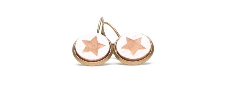 Ohrhänger mit Holzcabochons Sterne