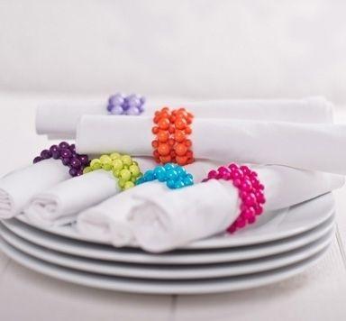 Serviettenring mit Modellierdraht und Perlen fädeln