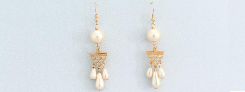 Ohrringe mit Nacre Perlen von Preciosa Tropfen