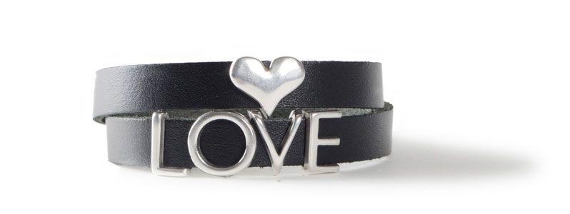 Armband mit Buchstabenperlen LOVE