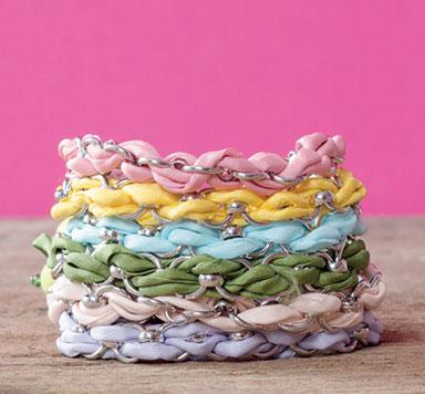 Armband mit Gliederkette und Seidenband machen