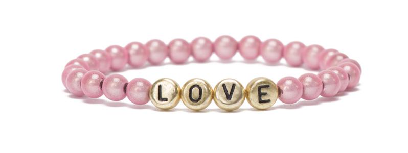Buchstabenarmband goldfarben Love und Miracle Perlen