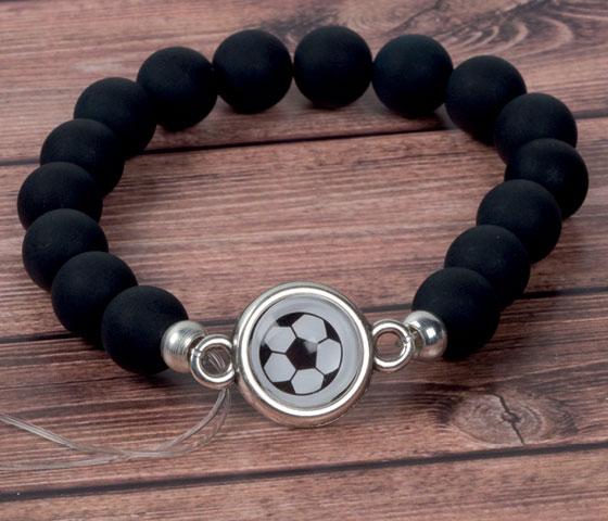 Fußball Armbänder in den Farben deines Vereins selbermachen - Schritt für Schritt erklärt. Schritt 5