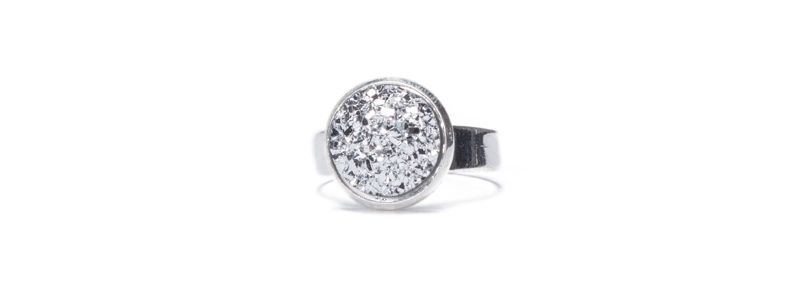 Ring mit Glitzercabochons Crystal