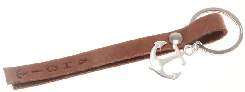"""Schlüsselanhänger mit Niete und geprägtem Leder """"Ahoi"""""""