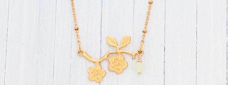 Frühlingskette mit Blütenzweig und Preciosa Rondell Bead