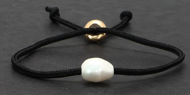 Armband mit Segelseil und Zuchtperle schwarz