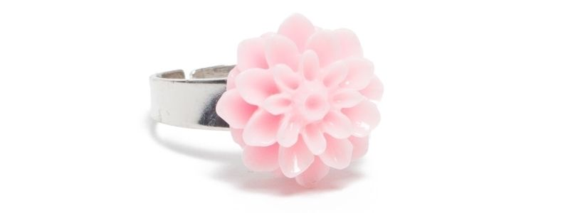 Ring mit Blumencabochon Rosa